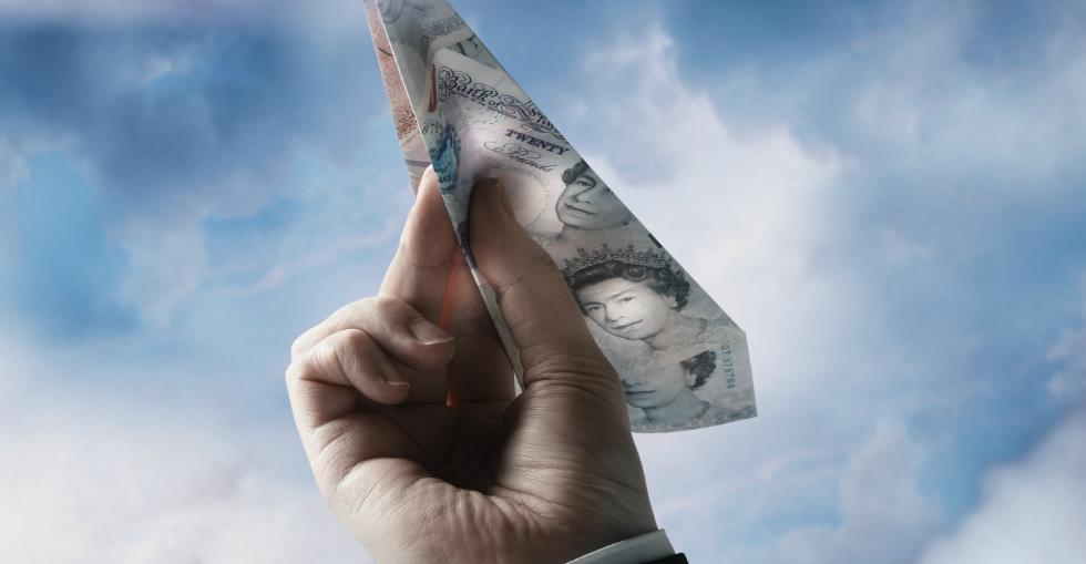 FTSE 100 bosses earn average salary of nearly 55m per year