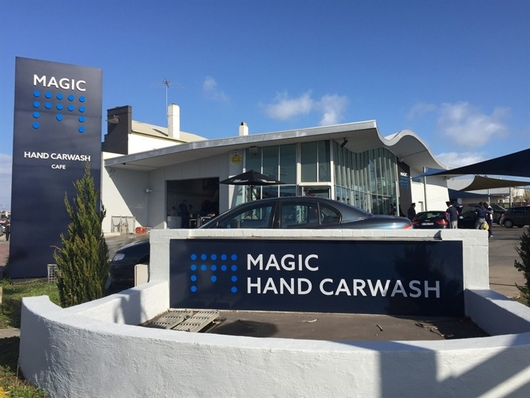 magic hand carwash western - 4