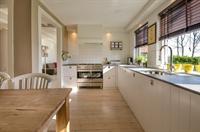 kitchen design business earns - 3