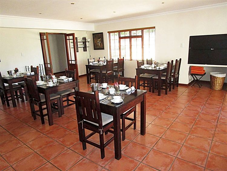 popular four star guesthouse - 5