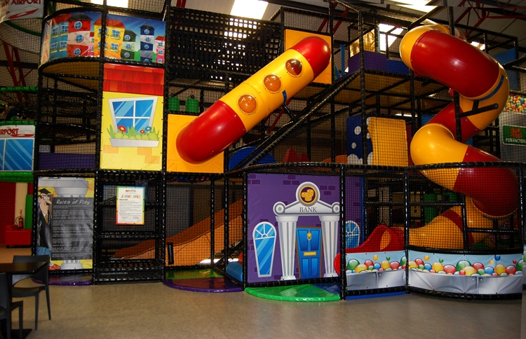 happy town soft play - 12
