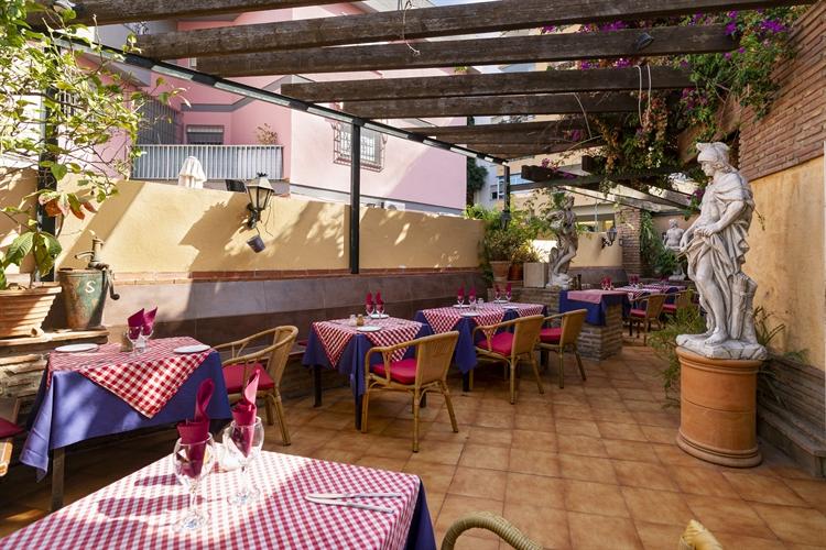 long established restaurant freehold - 12