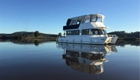 houseboat hire - 1