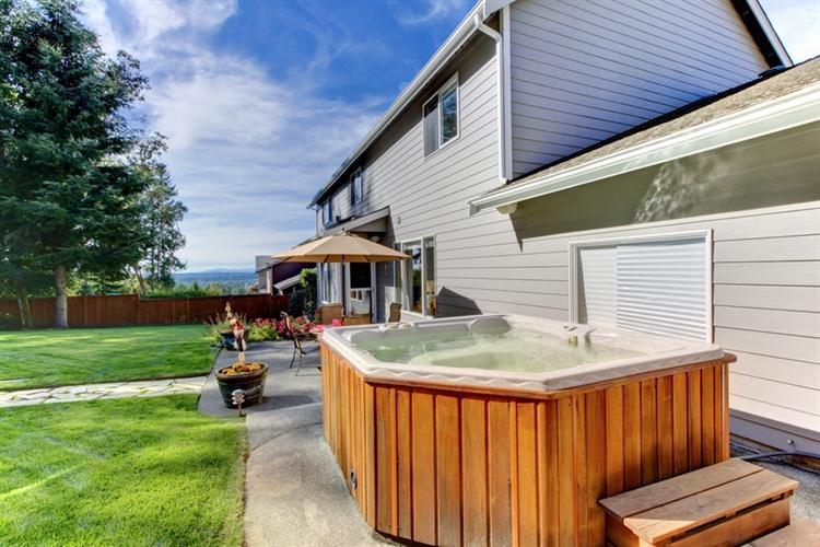 hot tub swimming pool - 2