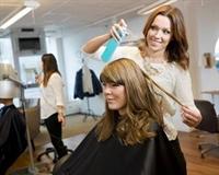 hair salon busy location - 1