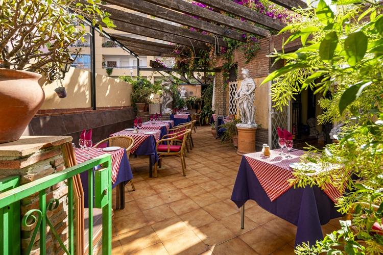 long established restaurant freehold - 11