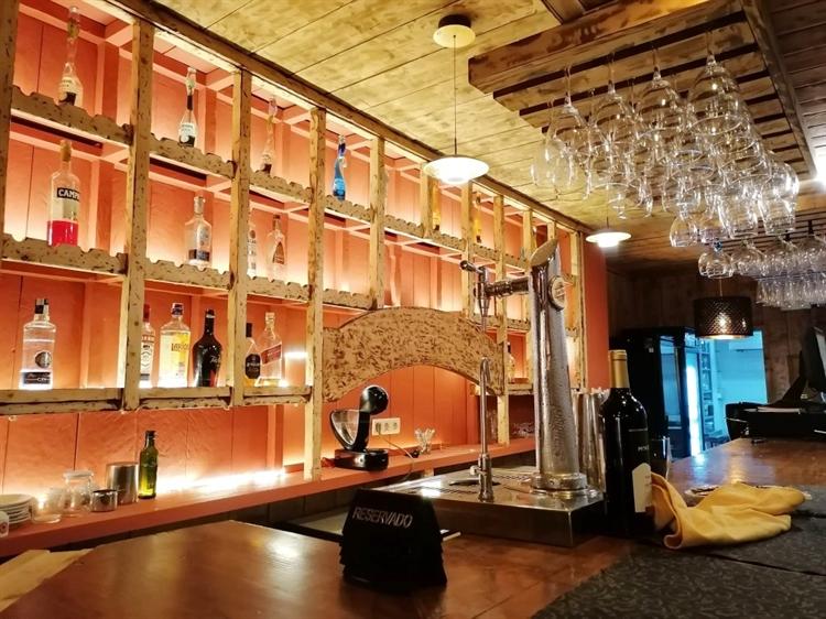 large stylish restaurant second - 4