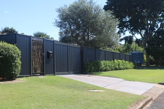fence construction business queensland - 4
