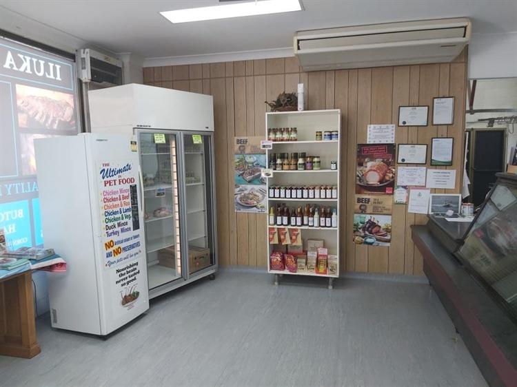 leasehold butcher shop iluka - 5