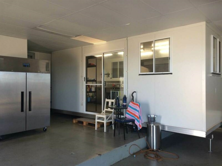 unique commercial kitchen opportunity - 5