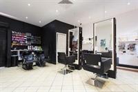 hair salon close to - 1