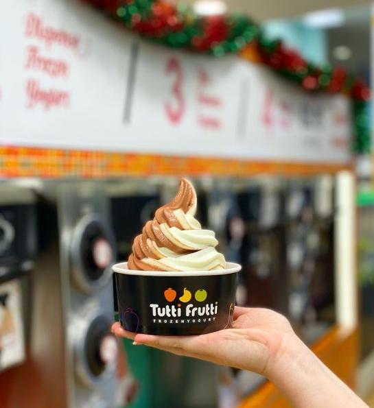 tutti frutti frozen yogurt - 5