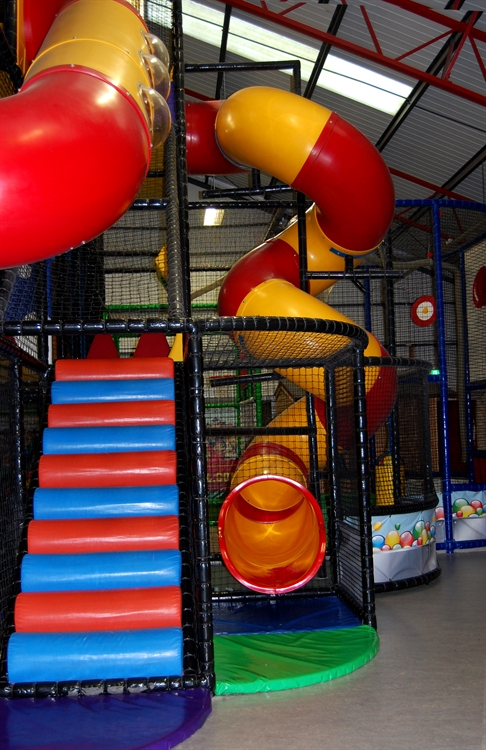 happy town soft play - 9