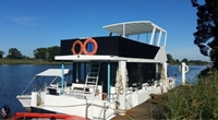 houseboat hire - 2