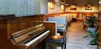 newly renovated modern restaurant - 3