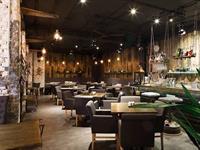 cocktail bar restaurant on - 3