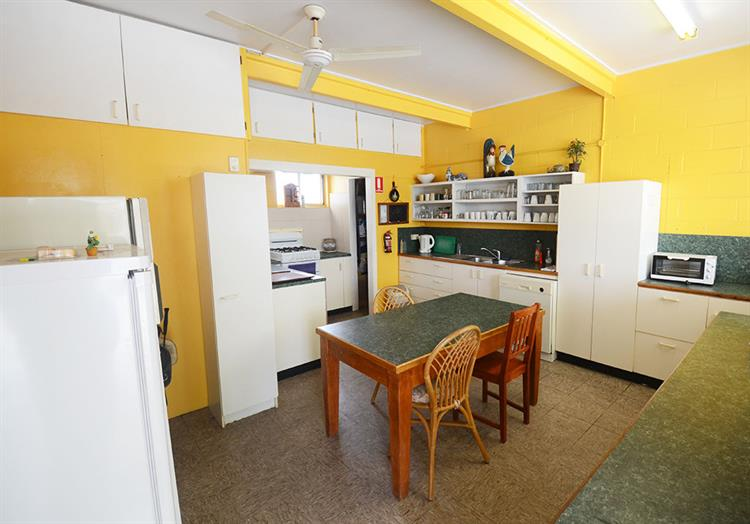 2457mf small freehold motel - 9