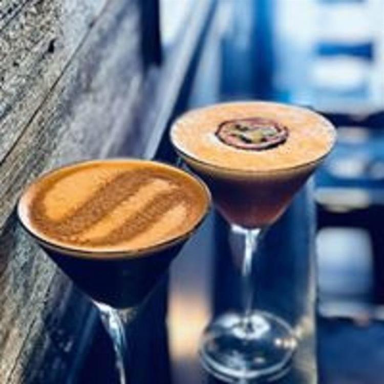 cafe bar the best - 4