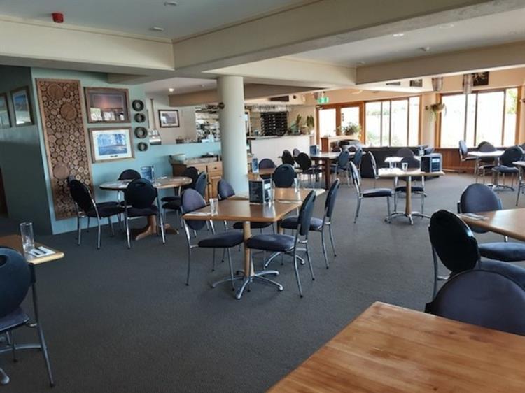 waterfront property restaurant bar - 5