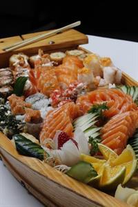 busy sushi train northern - 1