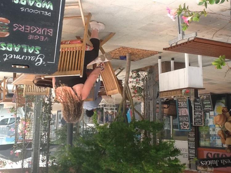 buzzing café health food - 6