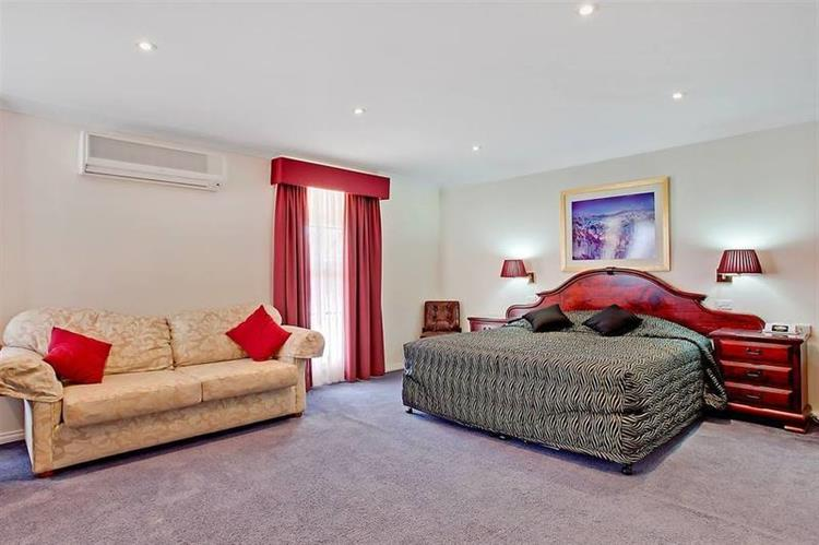 motel freehold investment beautifully - 5