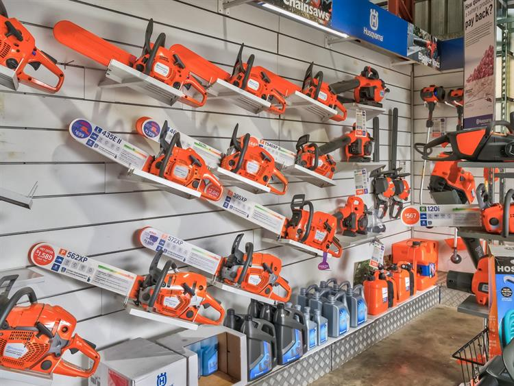 busy mower chainsaw dealership - 5