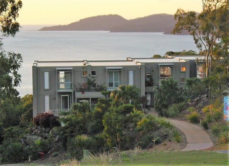 sensational whitsunday villas with - 4