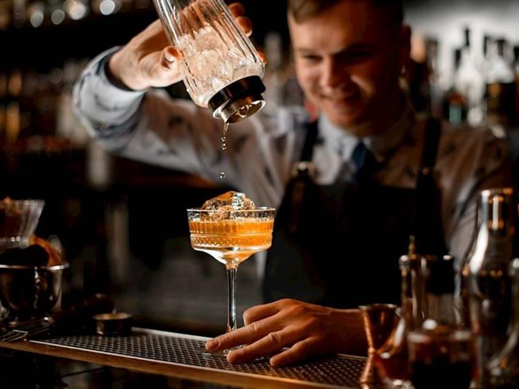 cocktail bar restaurant on - 4