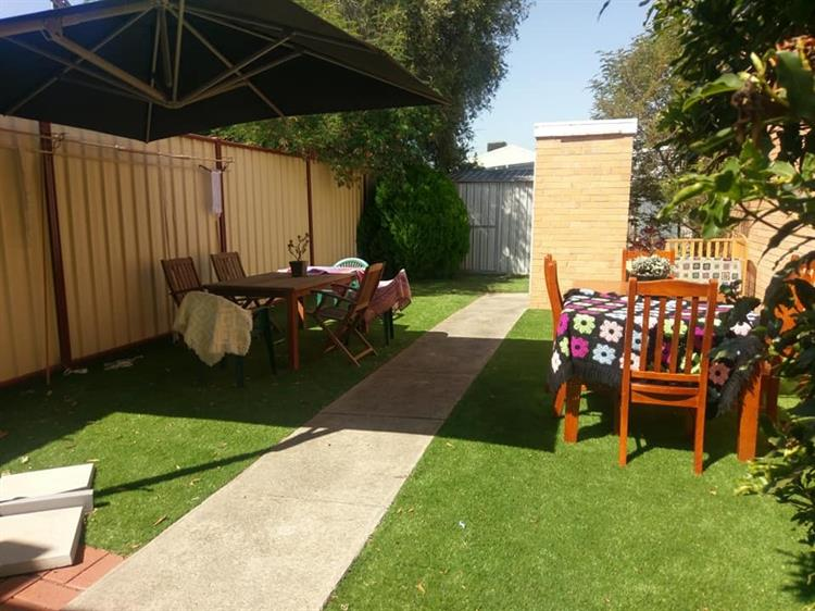 yarning place for sale - 6