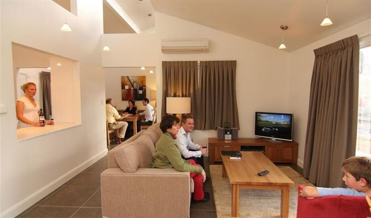 beautifully presented accommodation complex - 4