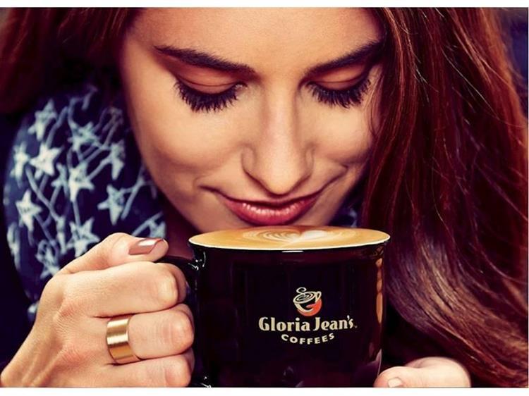 prominent gloria jeans cafe - 5