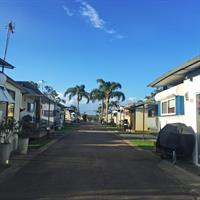 waterfront caravan park 2 - 3