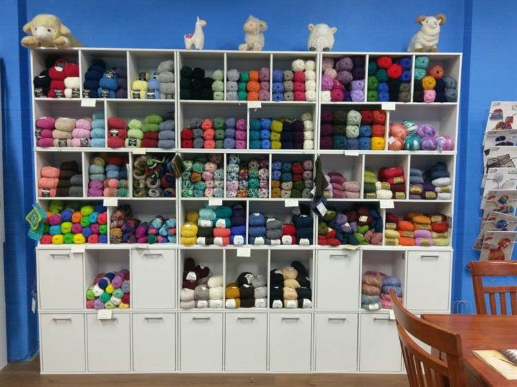 yarning place for sale - 4