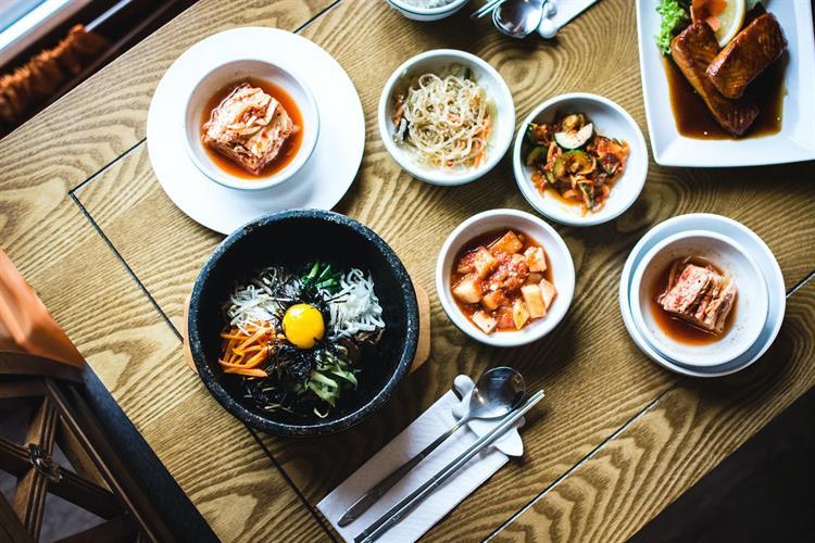 busy korean bbq restaurant - 2