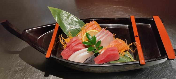 japanese restaurant dicky beach - 5