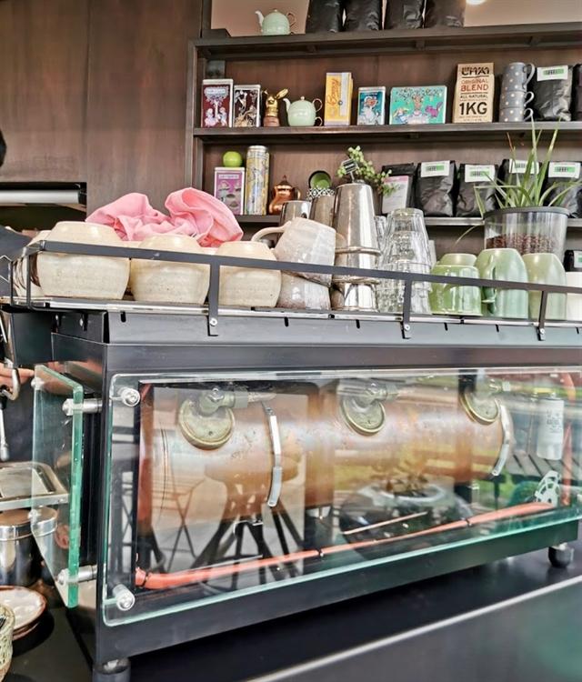 under offer thornbury cafe - 4