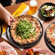 red sparrow pizza byron - 1
