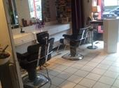 Hairdressing Salon In Paris 17eme For Sale