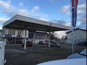 Service Station Of 120m2 In Poitiers For Sale