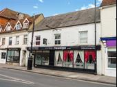 Contemporary Licensed Restaurant And Bar In Newbury For Sale
