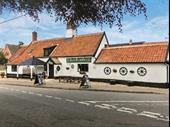 Exceptional Destination Pub With Dining For Sale
